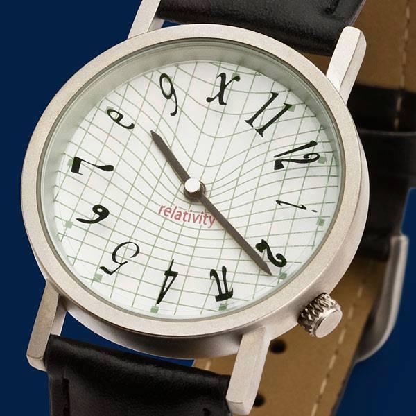Часовник, вдъхновен от Общата теория на относителността