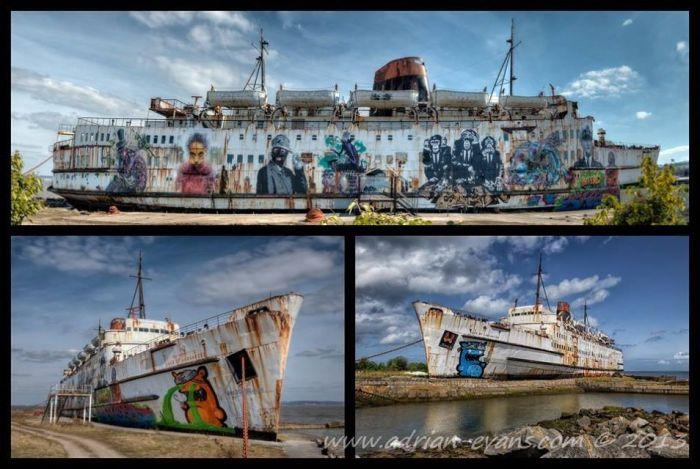 Scrap Art ships
