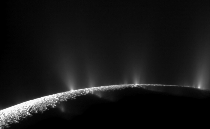 geyser-enceladus